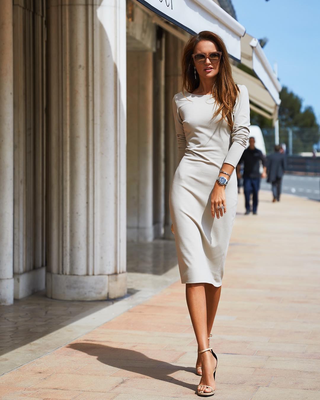 well-dressed-stylish-woman-3 - Hello Bombshell!