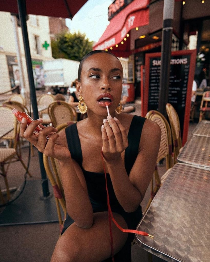 black french style blogger