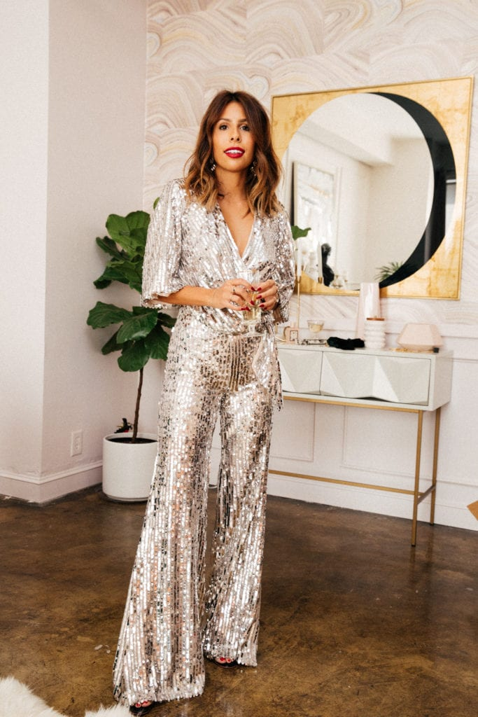 101 Classy Festive New Year S Eve Outfit Ideas For 2020 To Sparkle The Holiday Away Christmas Too Hello Bombshell