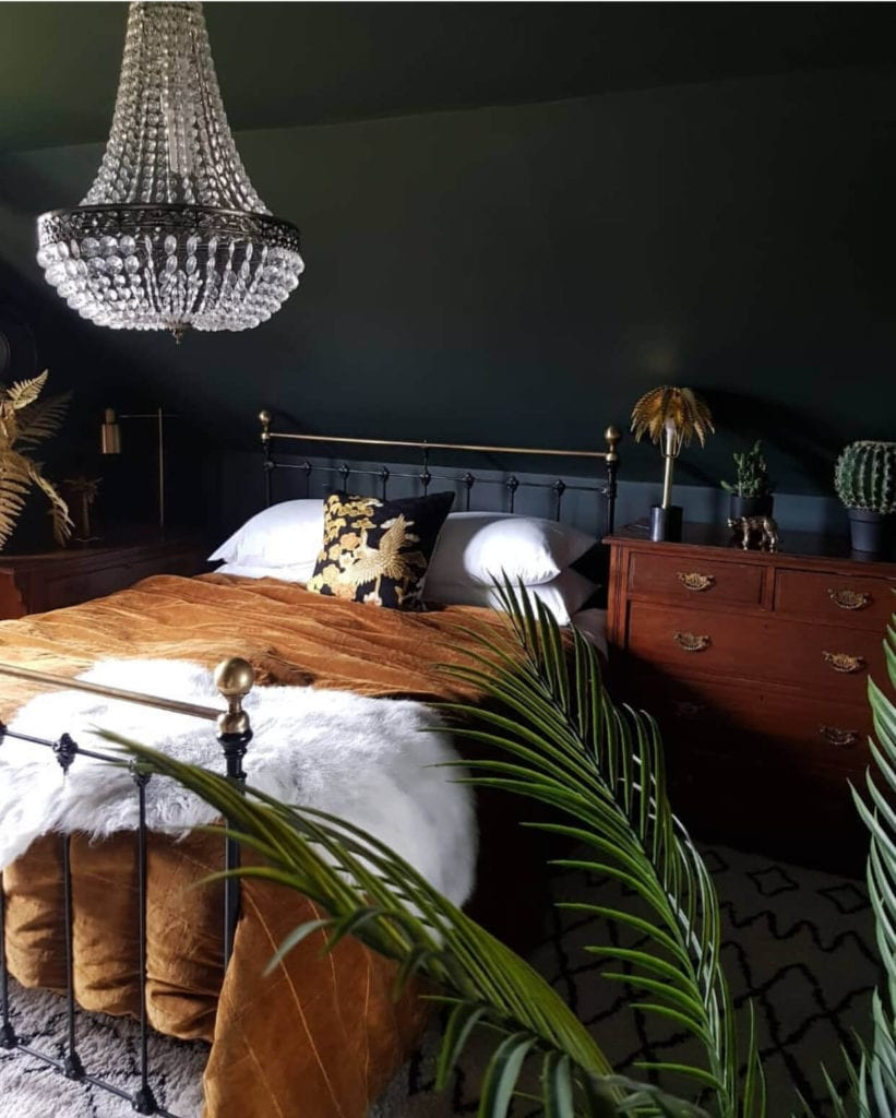 dark and moody bedroom decor